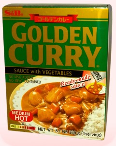 Golden Curry Semi-Picante (Instantáneo)